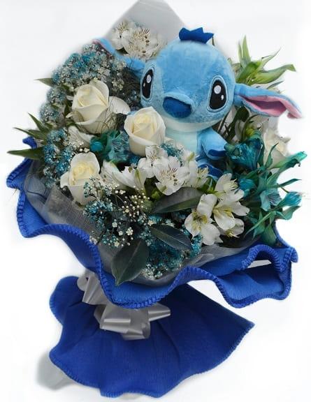 Imagen de Señal de amor Descripcion: Caja de 15 rosas con mariposa,brillos y perfume